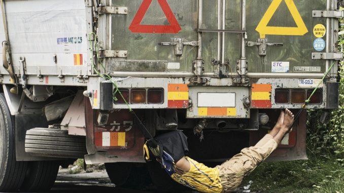 odpoczynek kierowcy ciężarówki