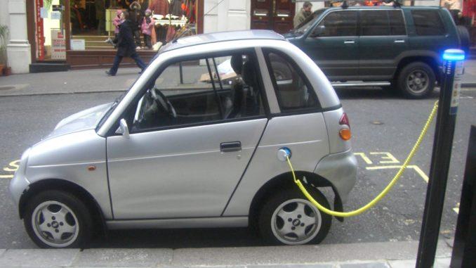 coraz większa sprzedaż samochodów elektrycznych