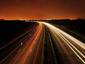 Czas pracy kierowcy: będą kary za pracę w porze nocnej