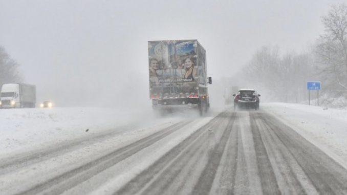 Jak zapobiegać wypadkom w razie ekstremalnych zjawisk pogodowych?