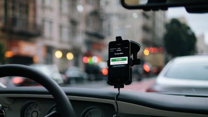Nowoczesny smartfon jako narzędzie pracy kierowcy