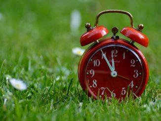 Praca kierowcy a zmiana czasu