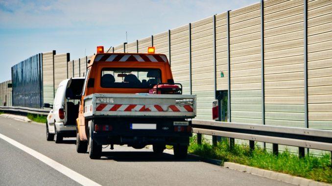 Jak poradzić sobie z awarią na autostradzie?