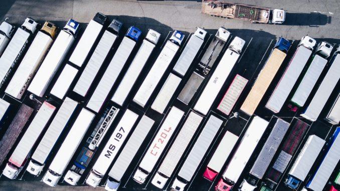samochód ciężarowy- typy i rodzaje